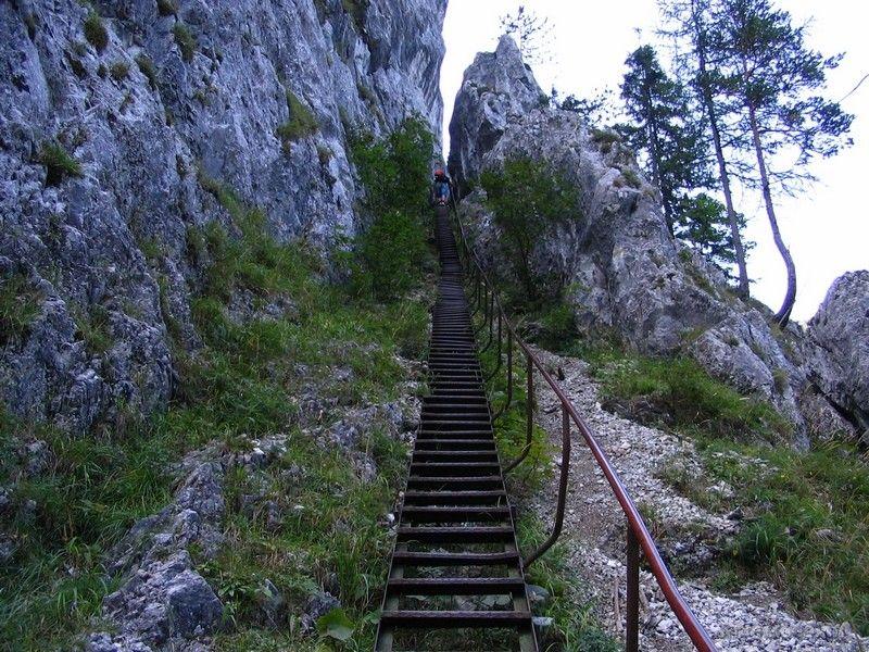 Bejárat a Pokol-völgybe