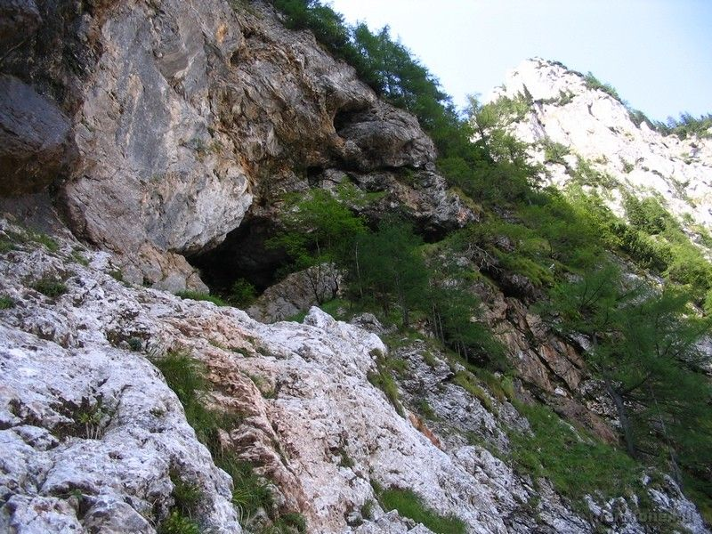 a Gaisloch hasadék barlangja