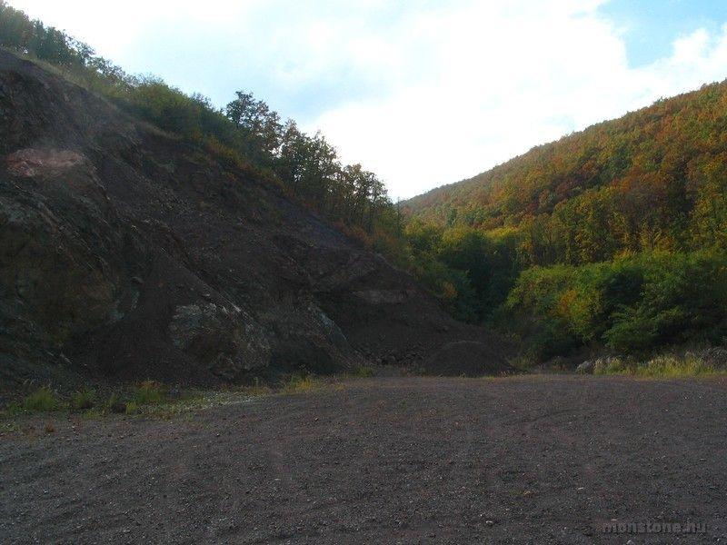 A Várfalvi kőfejtő udvara