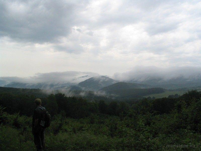 Füstölgő hegyek