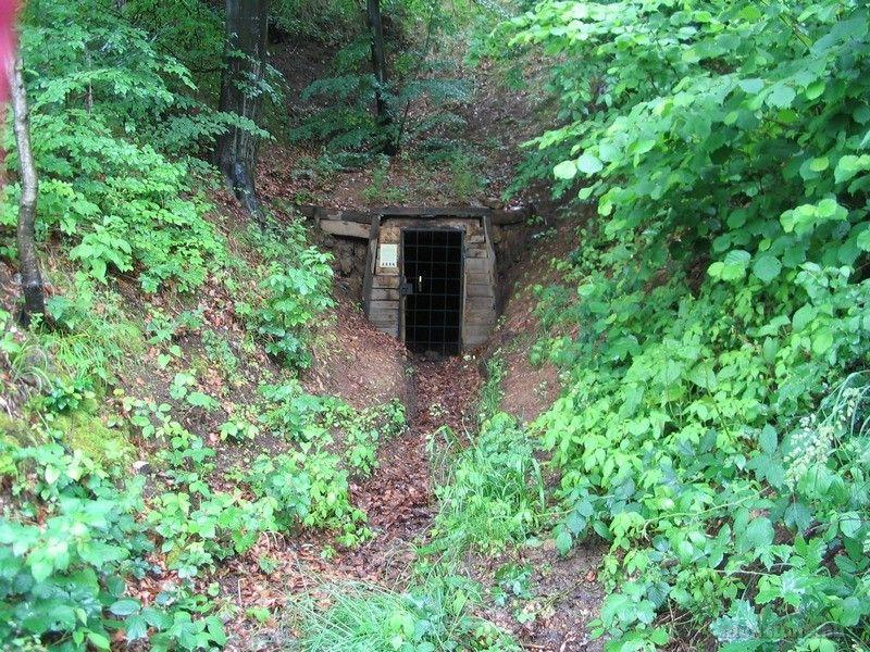 A Teréz-táró felújított bejárata